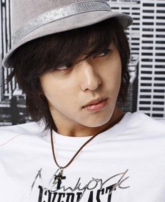 kibum_hat_and_cross-7700